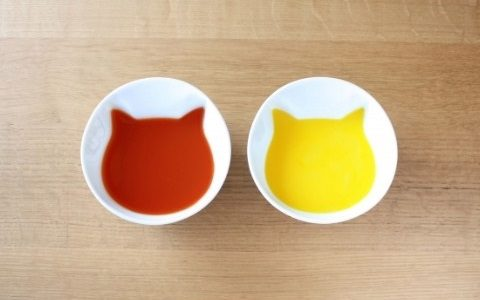 スープを入れるとにゃんこが浮かび上がるにゃん😸ヴィレッジヴァンガードオンラインに「ねこスープボール」登場
